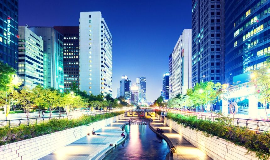 Cheonggyecheon in Seoul city at night