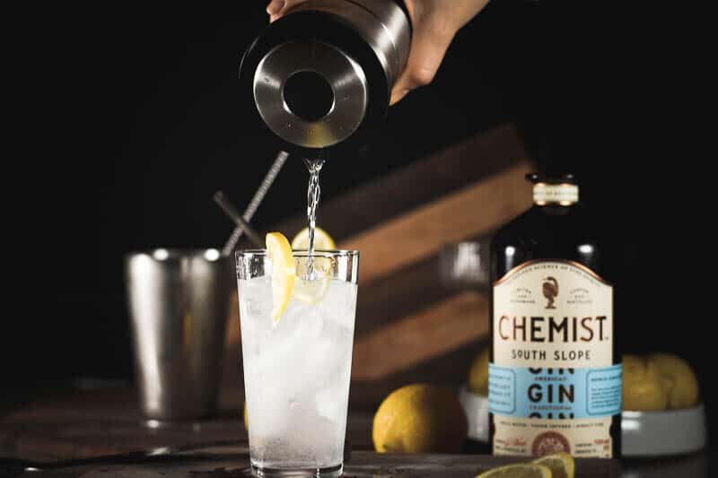 making a tom collins