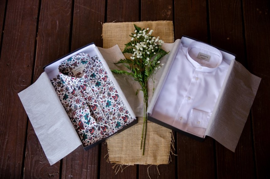 Apposta 100% Pure Cotton Poplin Floral And Coolmax Twill On An Angle Uboxed Next to Boxes