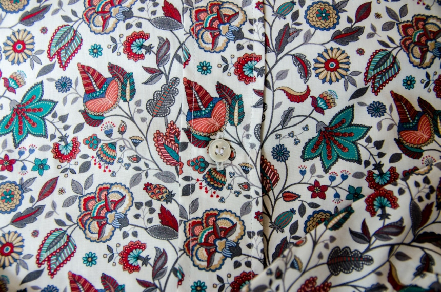 Apposta 100% Pure Cotton Poplin Floral Close Up Of Fabric