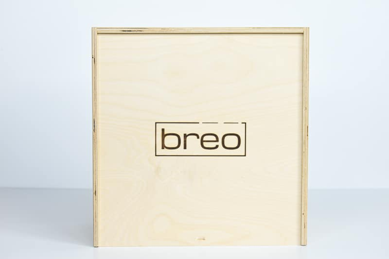 BREO BOX Face on