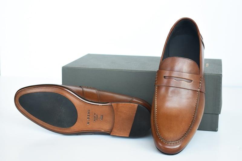 MGemi Volo Due against shoebox
