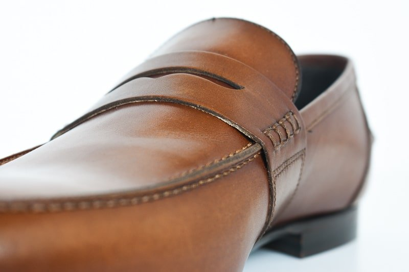 closeup mgemi volo due pennyloafer detail