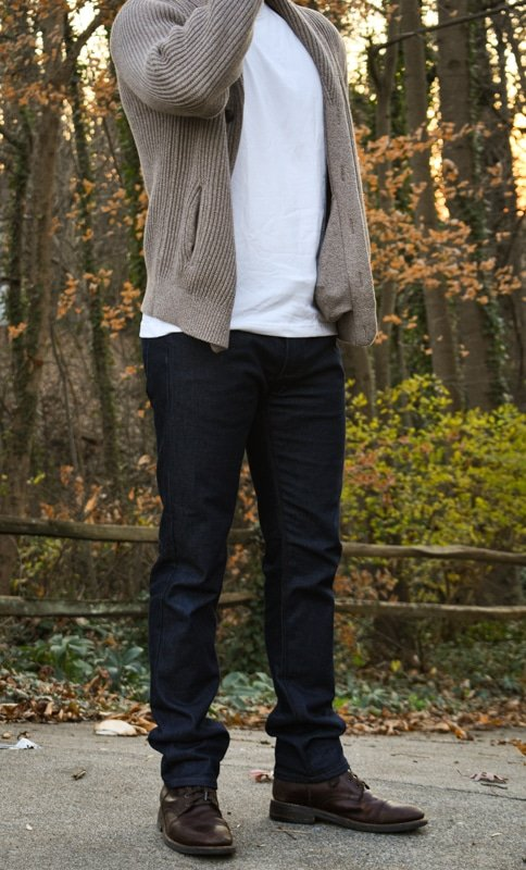 model pairing dark blue jeans and thursday boots