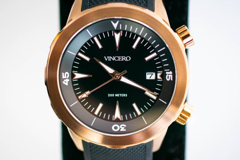 closeup vincero vessel dive watch dial and hands