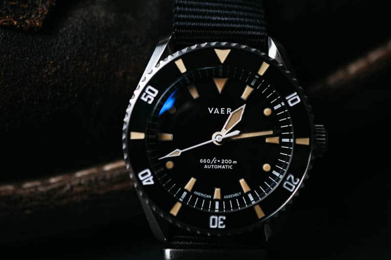 Vaer d5 dive watch with anti reflective coating