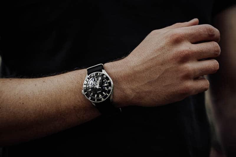 Vaer d5 on wrist
