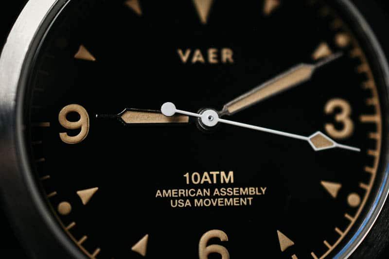 extreme closeup Vaer c3 dial details