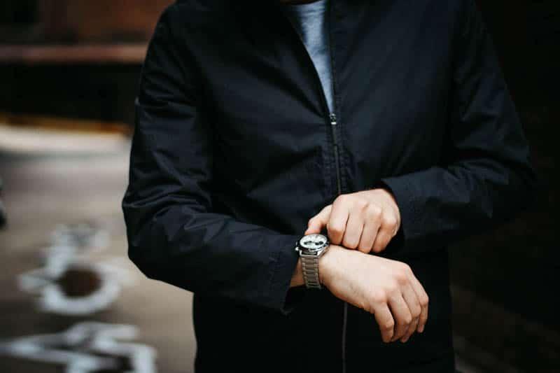 vincero apex racing watch on model wrist