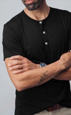 Mizzen+Main Short Sleeve Henley in Black
