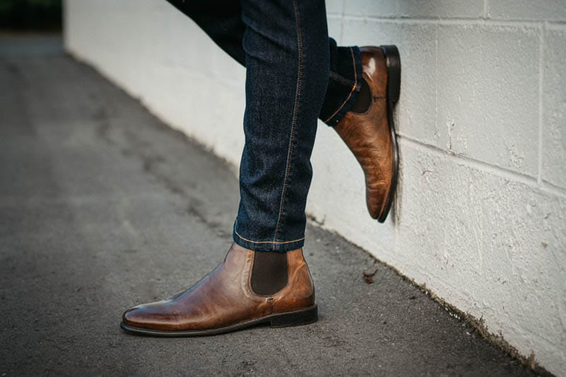 profile view of mgemi dritto leather chelsea boot