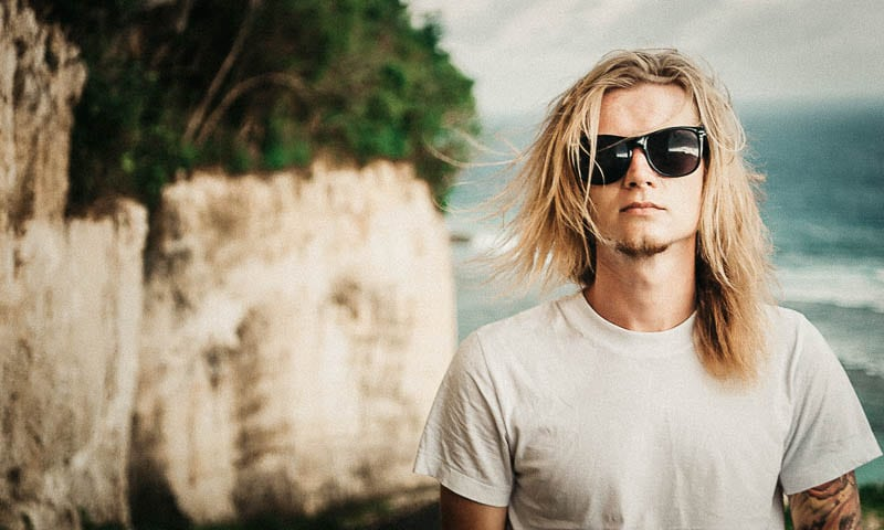 The Ultimate Surfer Style Guide for Men in 2021