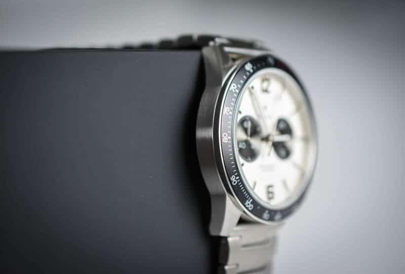 Vincero Apex tachymeter and case detail