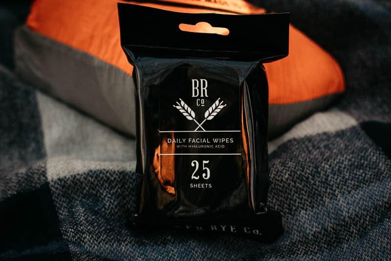 Gentlemans Box Premium charcoal face wipes