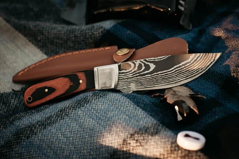 closeup Gentlemans Box Premium vintage gentlemen knife