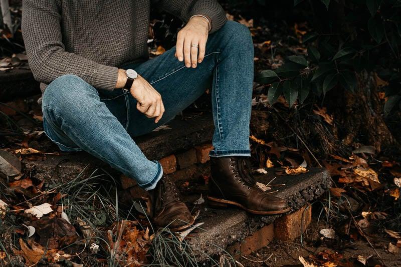 model wearing lightwash blue liverpool jeans