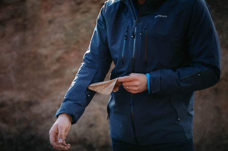 Cortazu goggle wiper in jacket
