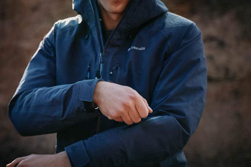 Cortazu jacket arm zipper detail ski pass