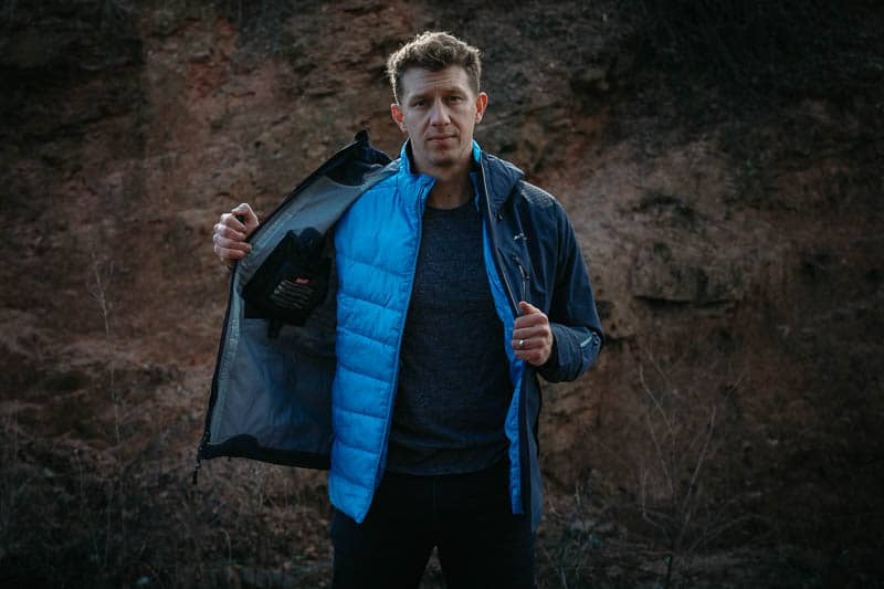 how to zip in Cortazu mid layer jacket into mountain hard shell