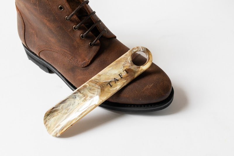 Taft Dragon 3.0 shoehorn and boot white background