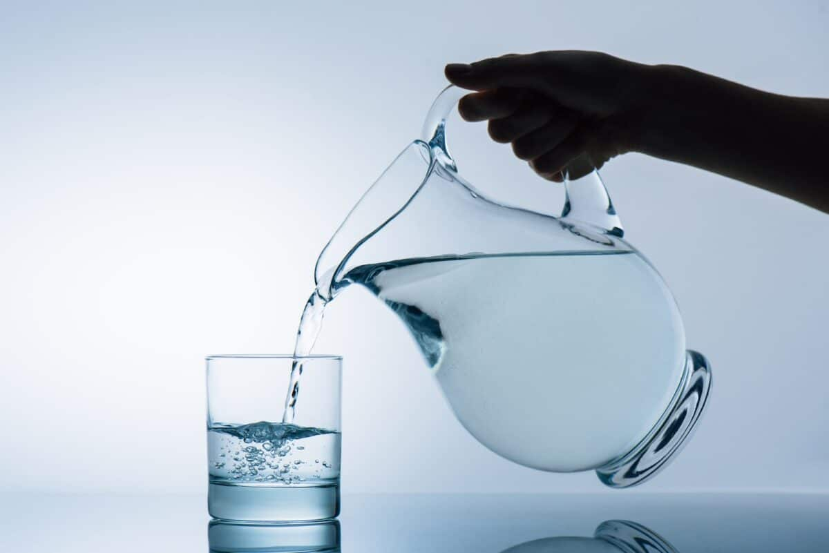 Pouring water from jug