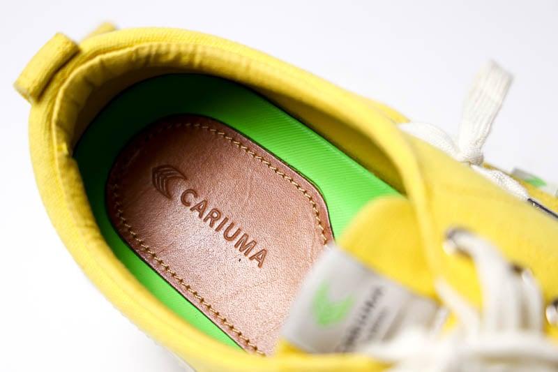 Cariuma Sneakers green insole detail