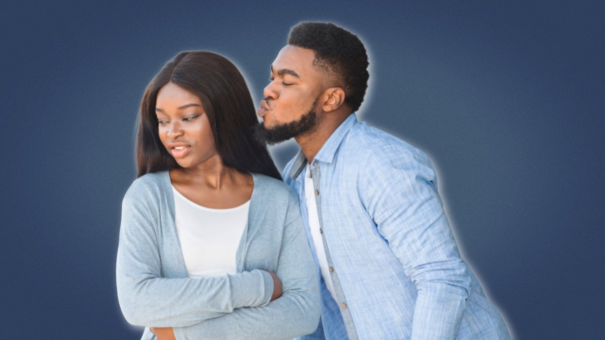 Signs she doesnt like you more than a friend black girl rejecting black man for a kiss in friend zone